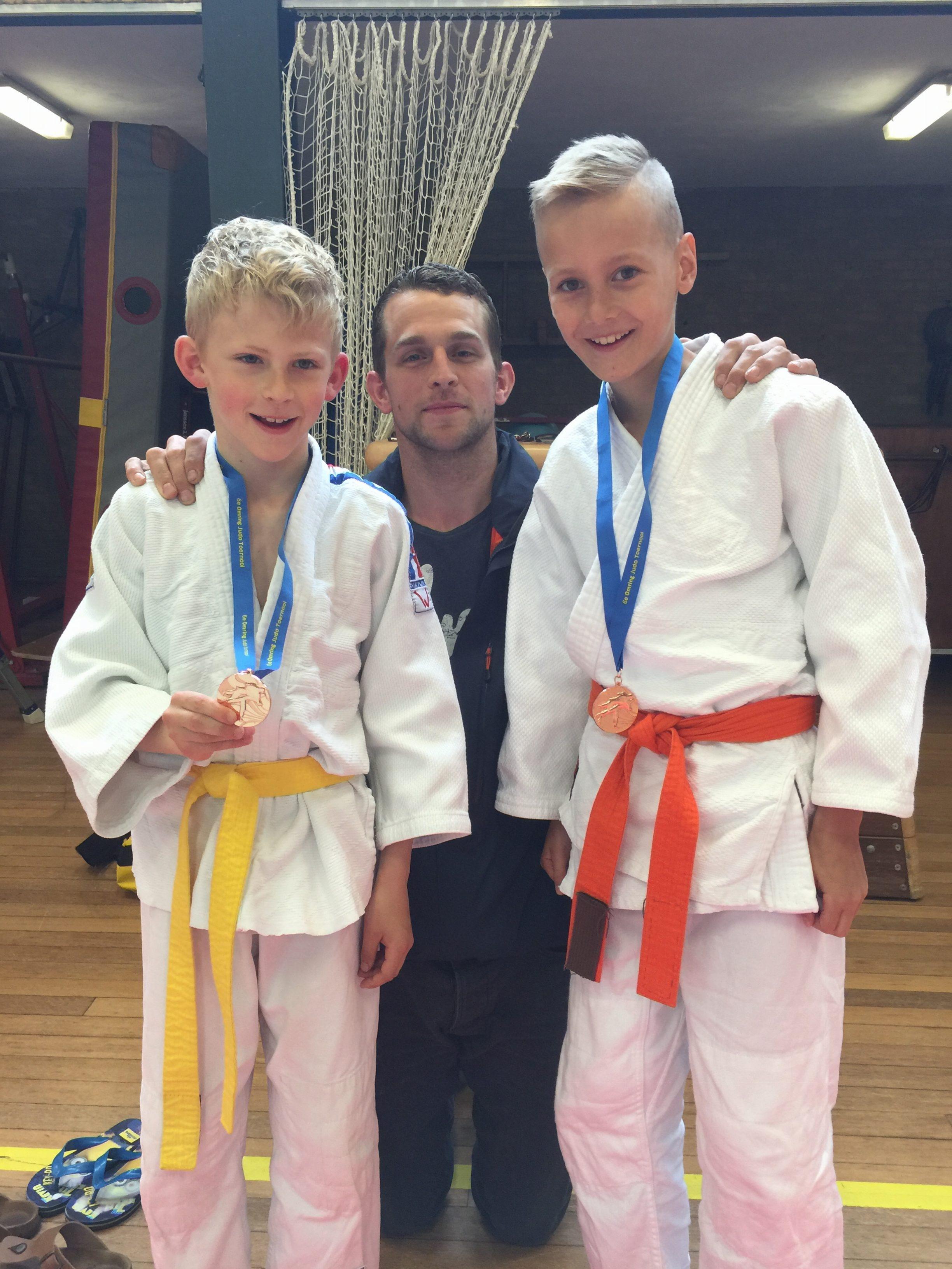 Nick en Sem met coach Erik